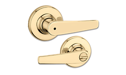 KWIKSET DELTA LEVER PRIVACY - POLISHED BRASS