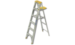 WERNER 5' ALUMINUM STEP LADDER - 250 LB LOAD